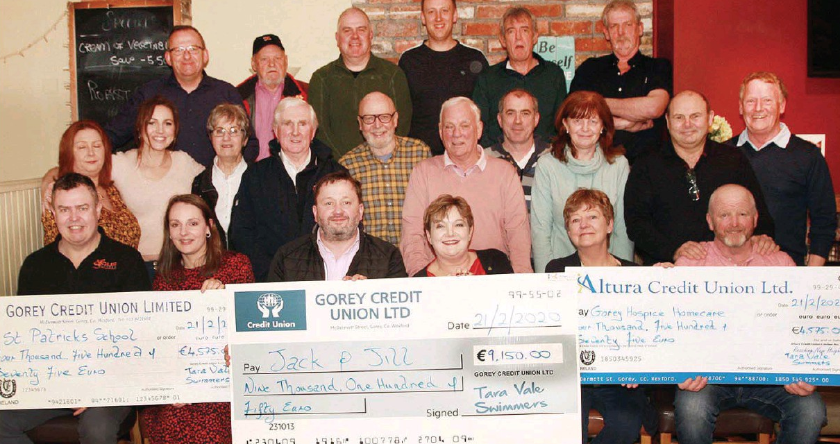 Tara Vale Swimmers present donations of €19,300 to local charities